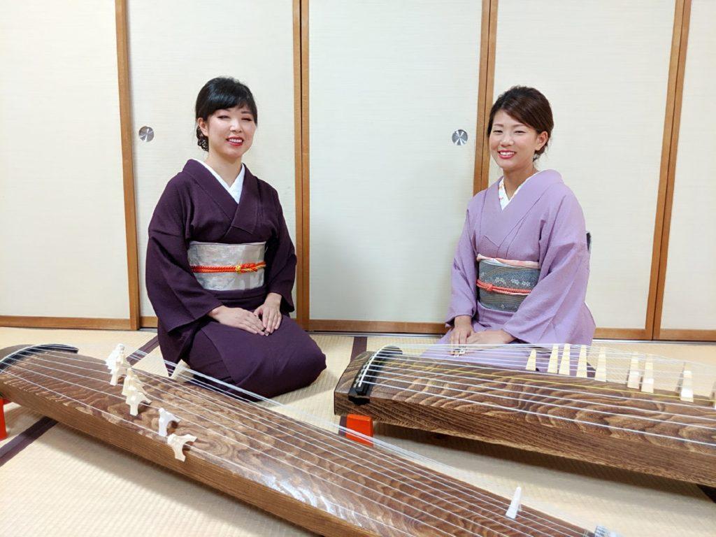 箏回想士の渡部佳奈子と舘野和佳奈