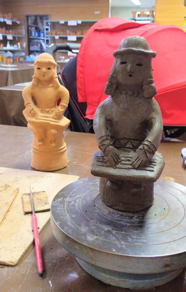 さきたま史跡の博物館で埴輪作り体験