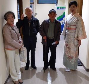 三島市介護予防講演会で楽屋まで訪ねてきた人々と箏回想士渡部佳奈子
